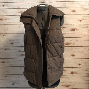 Old Navy brown puffer vest size small
